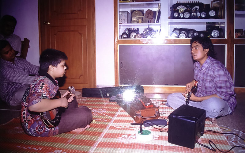Bhargav-on-mandolin-Shrinivas-1